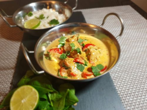 Thai coconut turkey curry